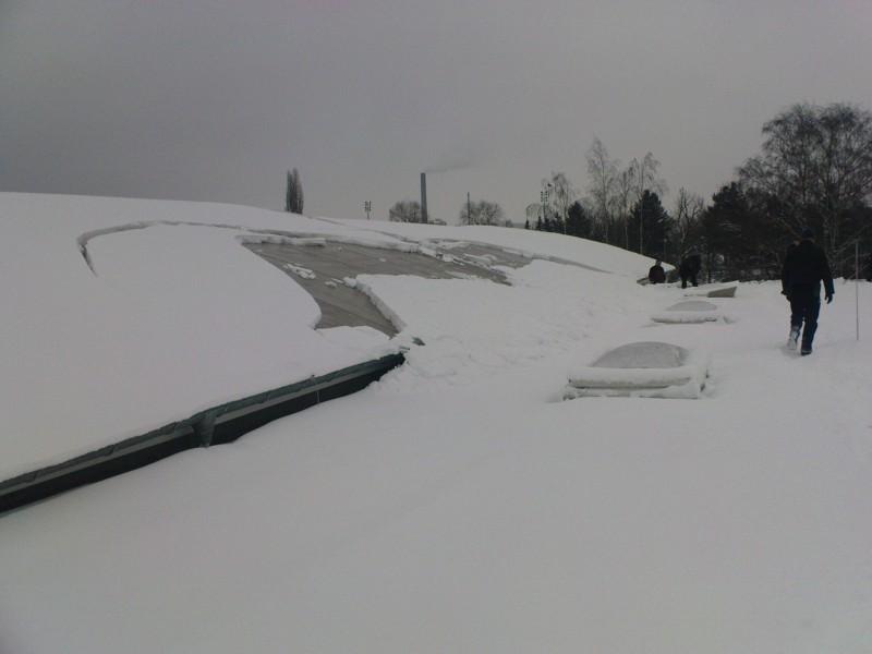 Abrutschende Schneebretter stellen ein Gefahr da.